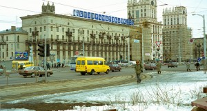 Belarus-Minsk-Railway_Station_Square-5